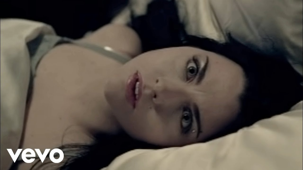 Evanescence – Bring Me To Life (Official Music Video)
