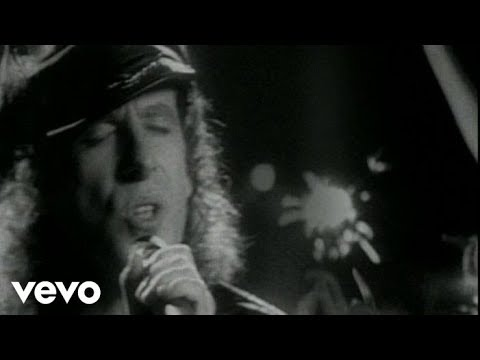 Scorpions – Wind Of Change (Official Music Video)