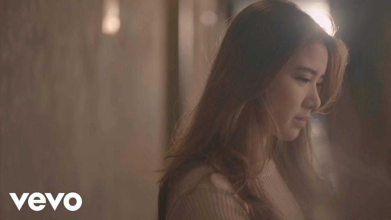 Tiara Andini – Maafkan Aku #TerlanjurMencinta (Official Music Video)