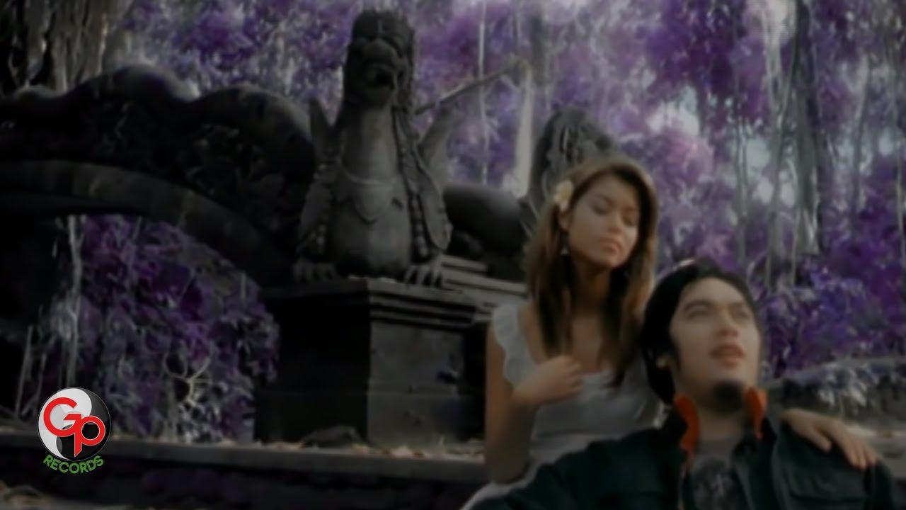 Ada Band – Surga Cinta (Official Music Video)