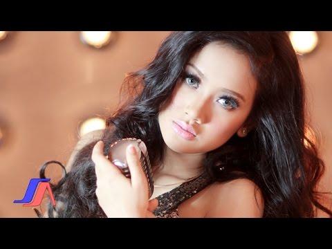 Cita Citata – Sakitnya Tuh Disini (Official Music Video)