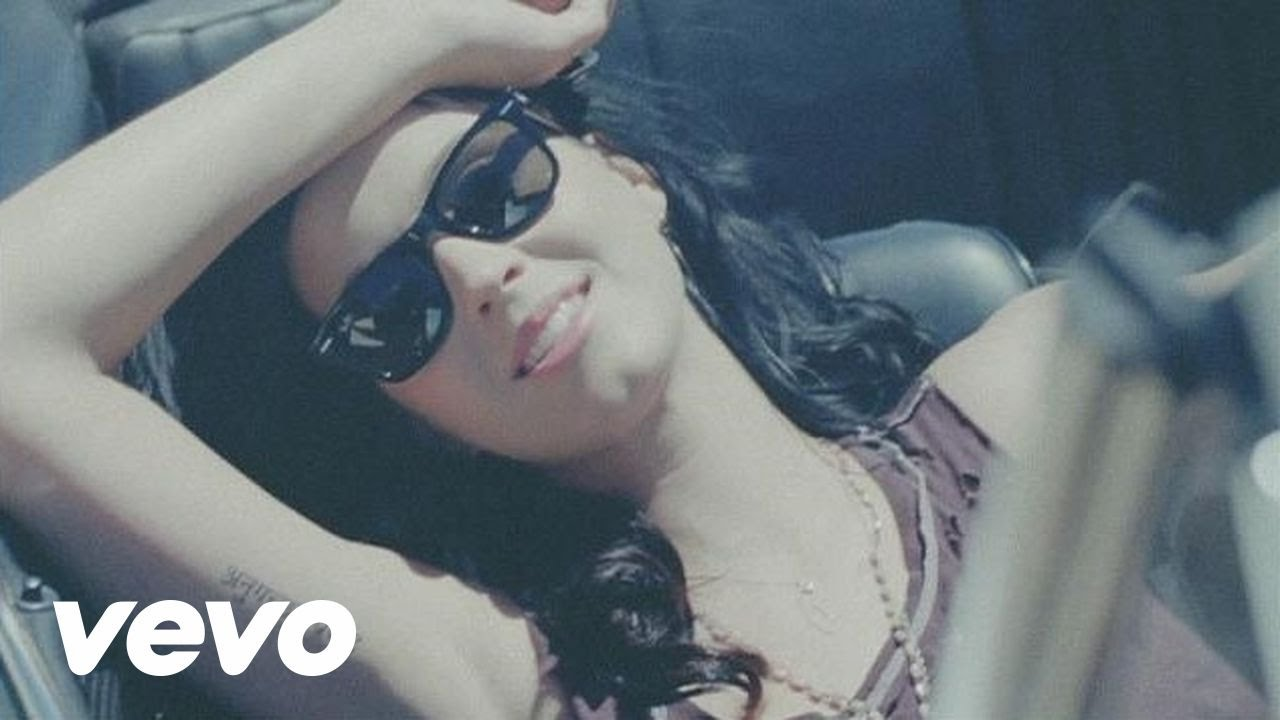 Katy Perry – Teenage Dream (Official Music Video)