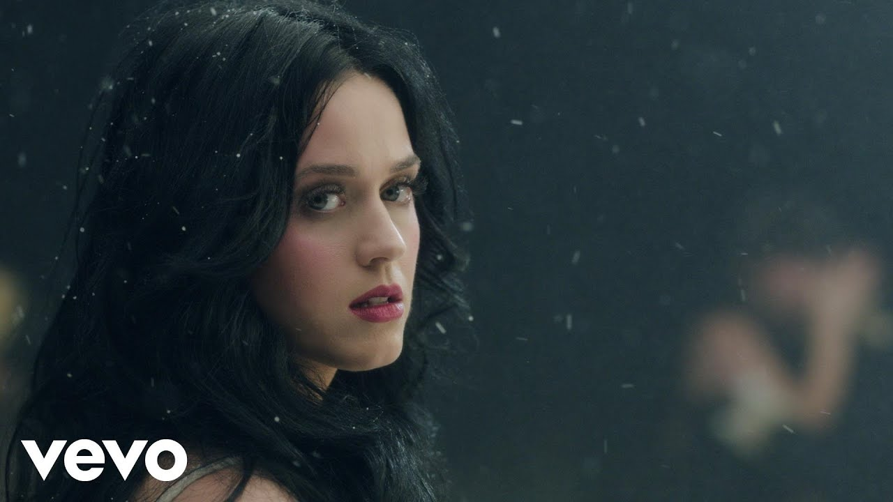 Katy Perry – Unconditionally (Official Music Video)