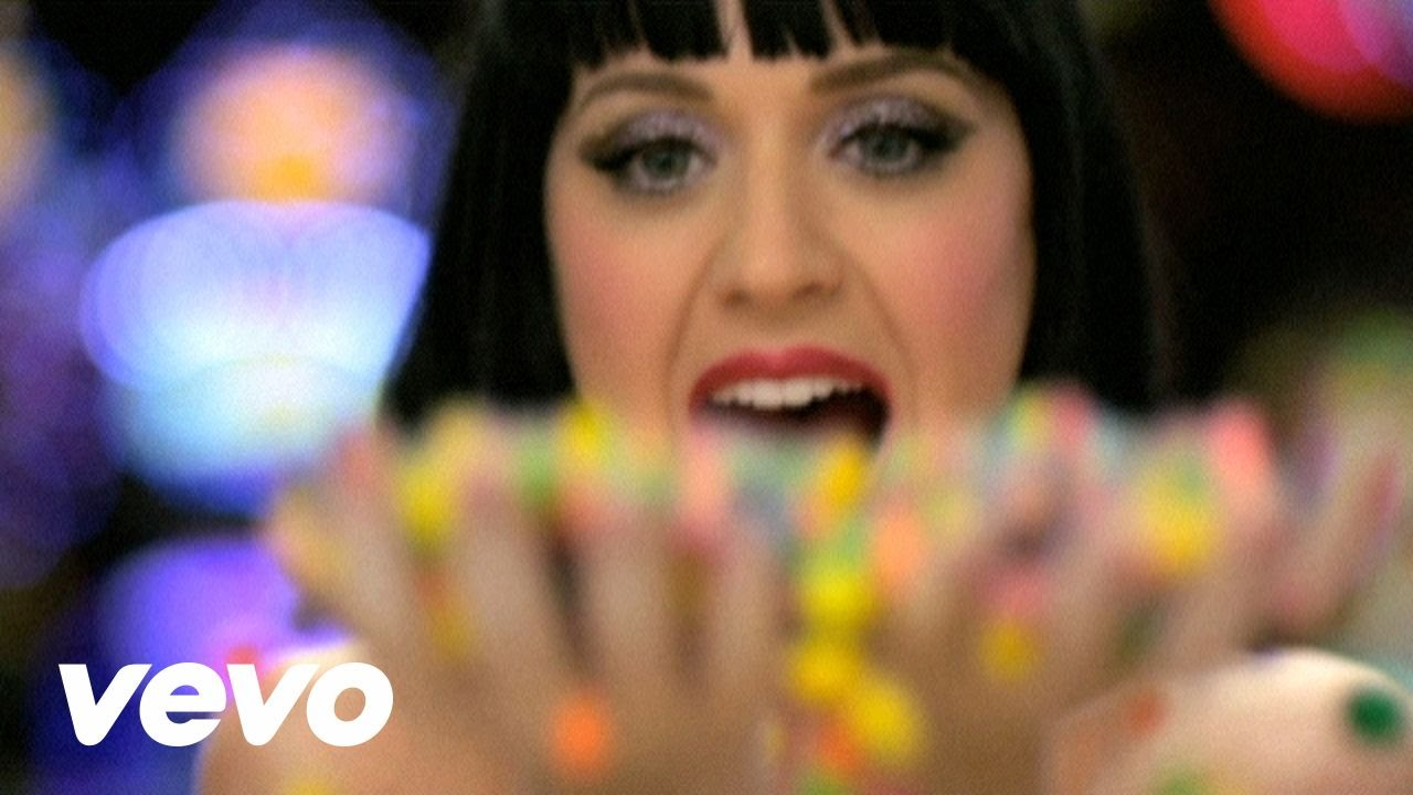 Katy Perry – Waking Up In Vegas (Manhattan Clique Remix)