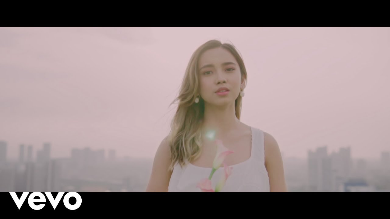Lyodra – Mengapa Kita #TerlanjurMencinta (Official Music Video)