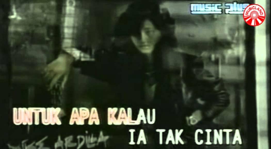 Nike Ardilla – Mama Aku Ingin Pulang (Official Music Video)
