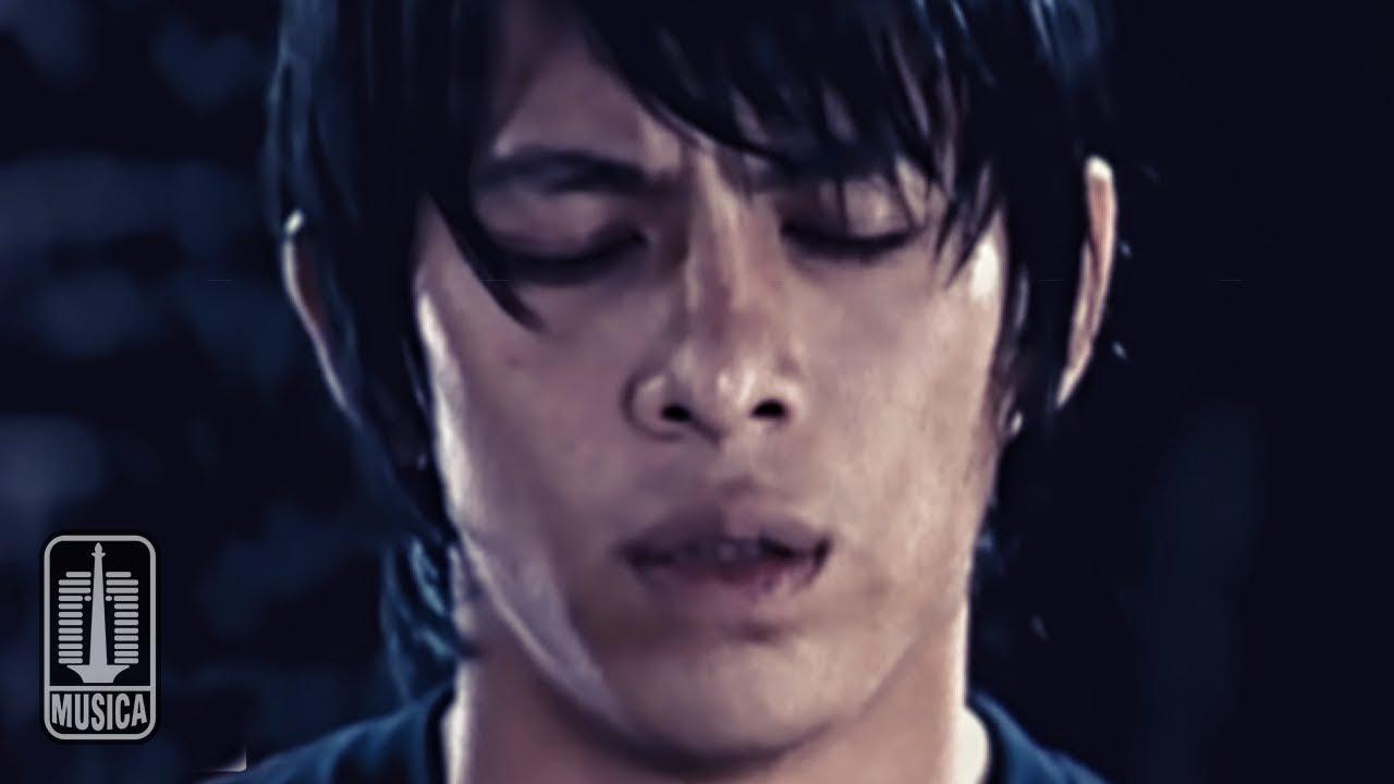Peterpan – Ada Apa Denganmu (Official Music Video)