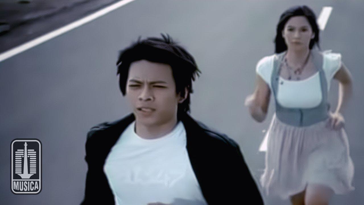 Peterpan – Menghapus Jejakmu (Official Music Video)