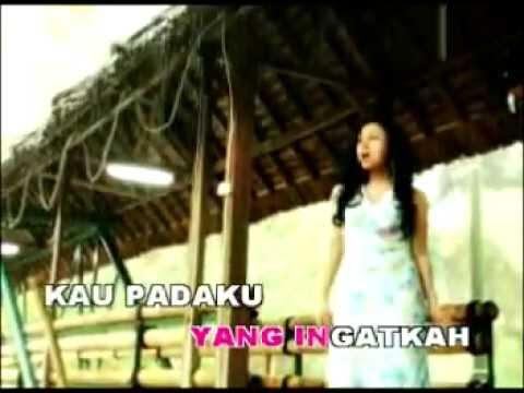 Ratih Purwasih – Antara Benci Dan Rindu (Official Music Video)