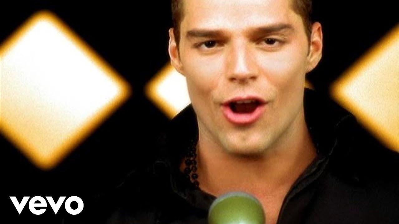Ricky Martin – Livin' La Vida Loca (Official Music Video)
