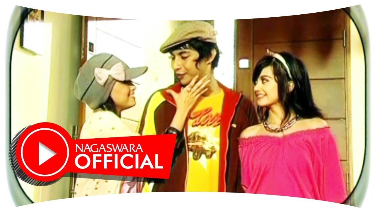 T2 – Lelaki Cadangan (Official Music Video)
