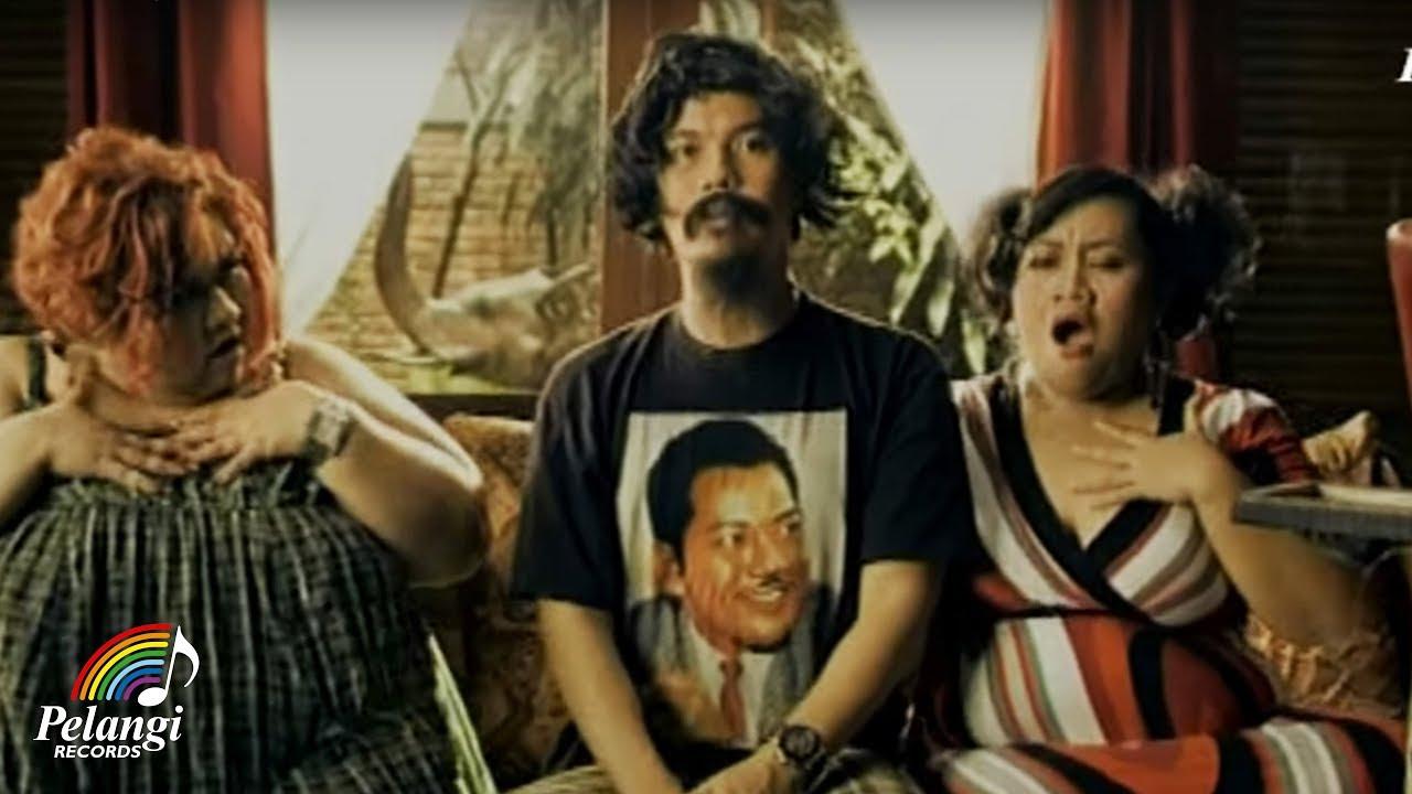 TRIAD – Madu Tiga (Official Music Video)