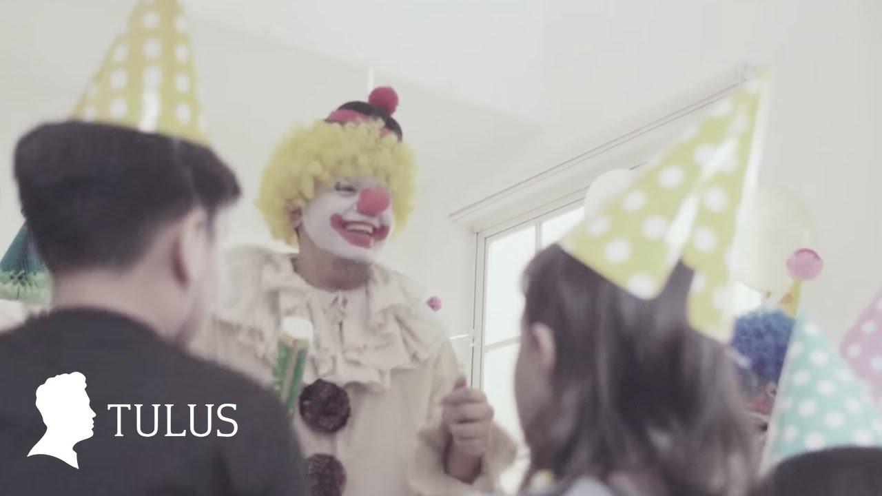 TULUS – Jangan Cintai Aku Apa Adanya (Official Music Video)