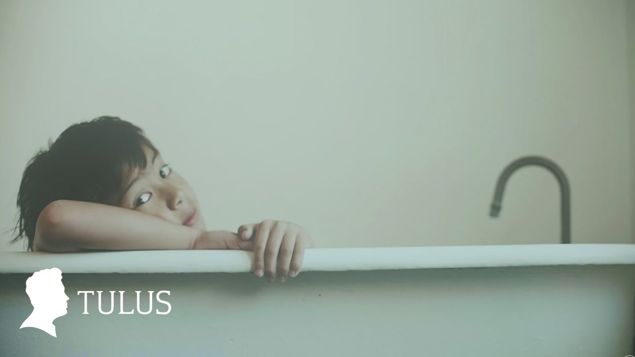 TULUS – Monokrom (Official Music Video)
