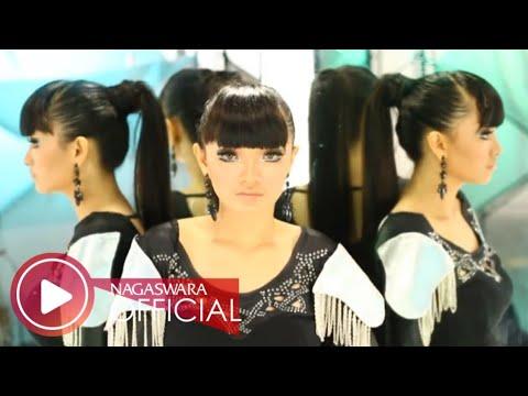 Zaskia Gotik – 1 Jam (Official Music Video NAGASWARA)