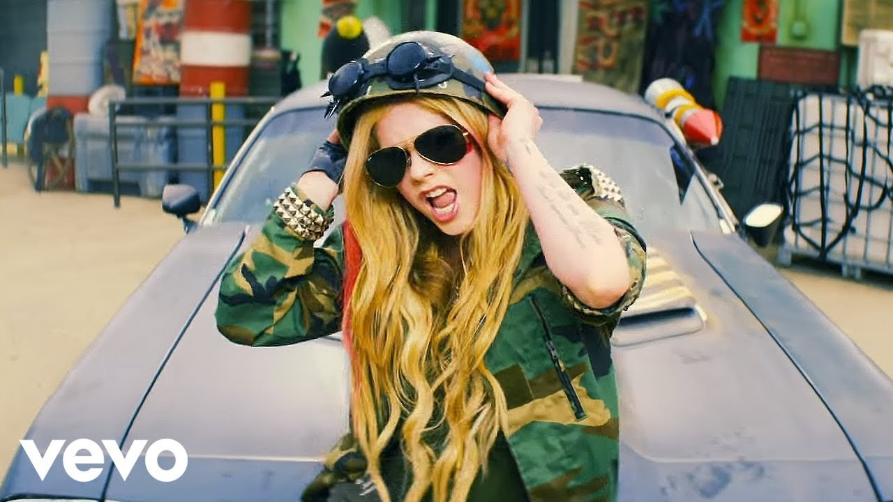 Avril Lavigne – Rock N Roll (Official Music Video)