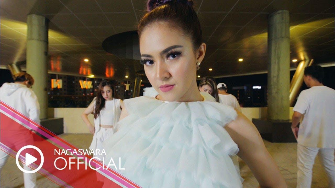 Baby Shima – Sakit (Official Music Video)