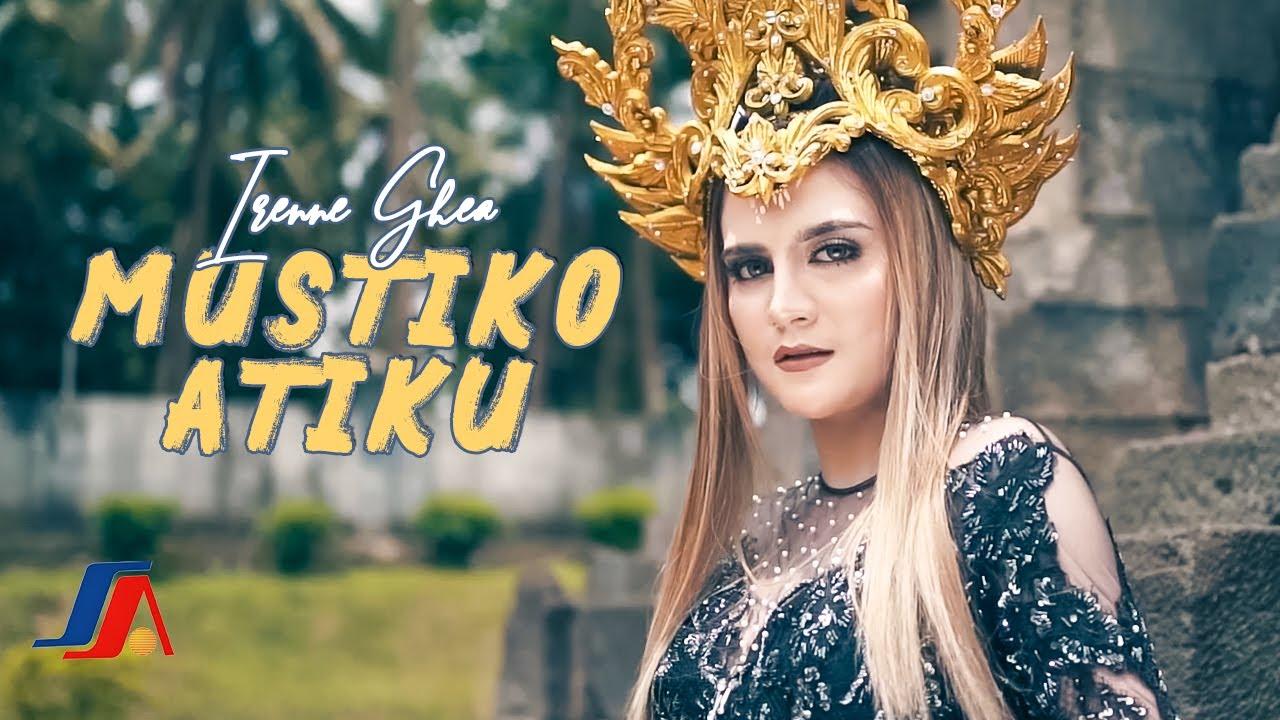 Bule Cantik Irenne Ghea Nyanyi Lagu Mustiko Atiku (Official Music Video)