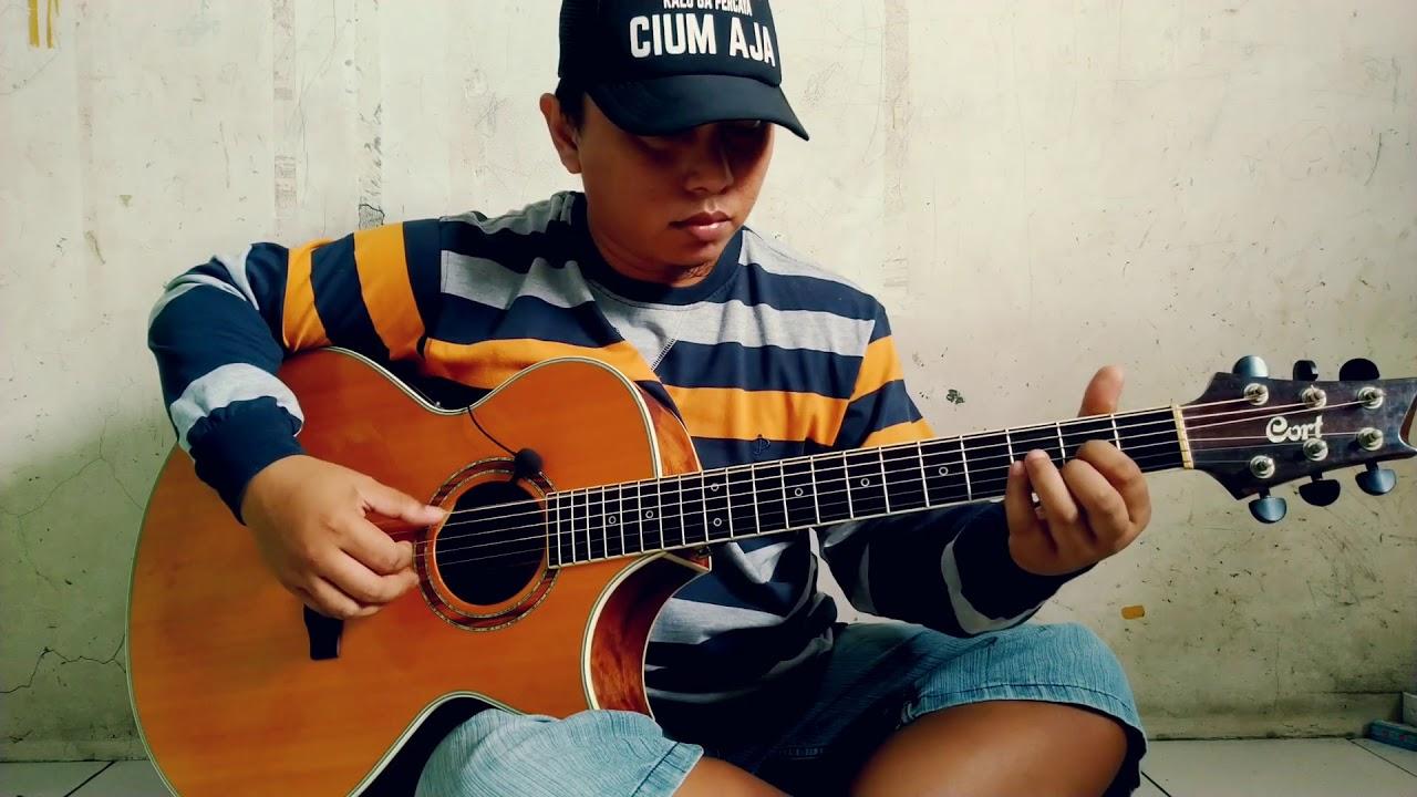 Cover Selamat Lebaran – Ismail Marzuki by Alip Ba Ta Master Fingerstyle Indonesia