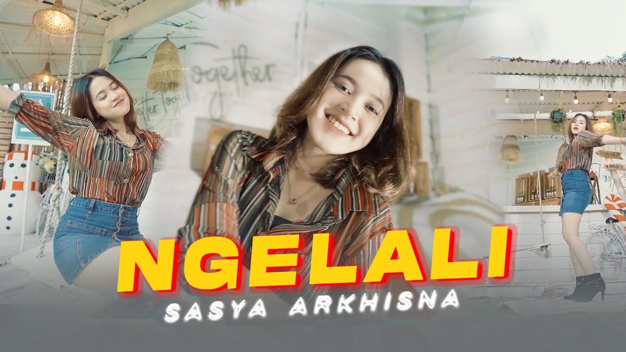 Sasya Arkhisna – Ngelali (Official Music Video)