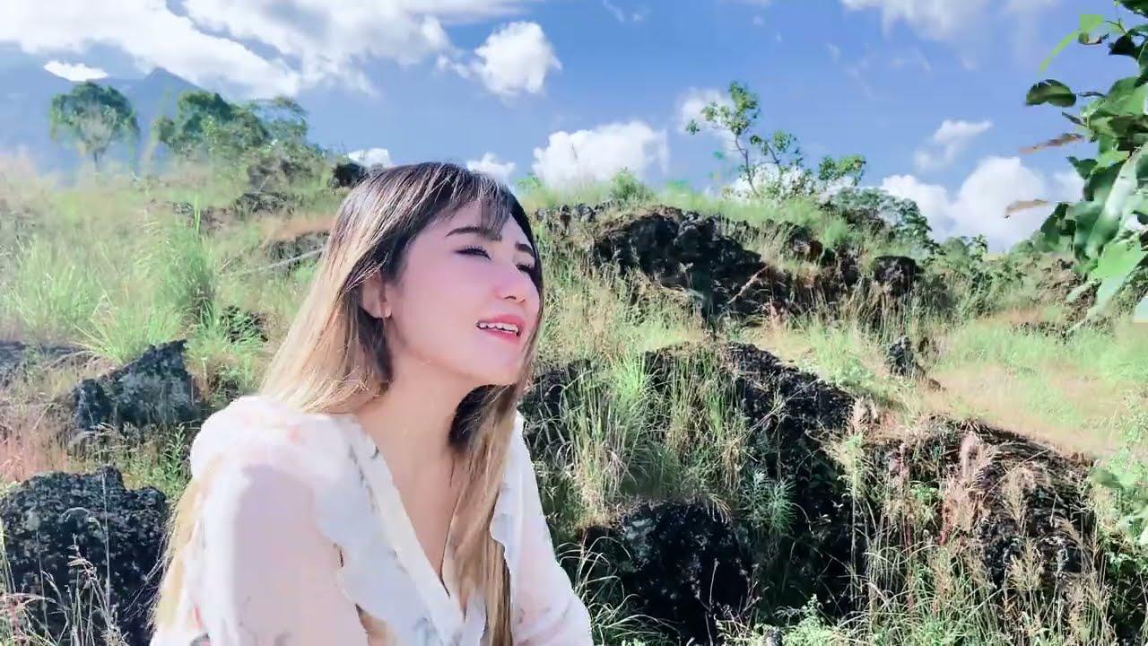 Via Vallen – Lebih Baik Sakit Gigi (Official Video)