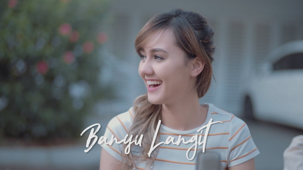 Viral! Bule Cantik Jodilee Warwick Nyanyi Lagu Jawa Banyu Langit – Didi Kempot