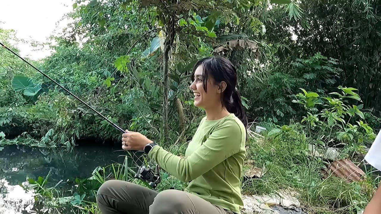 Viral! Jodilee Warwick Mancing Baru 3 Detik Dapat Ikan