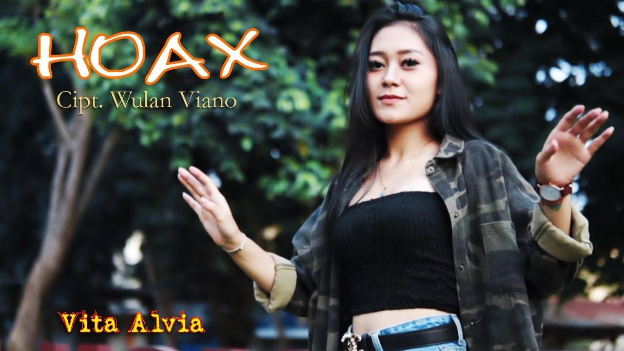 Vita Alvia – Hoax (Official Music Video)