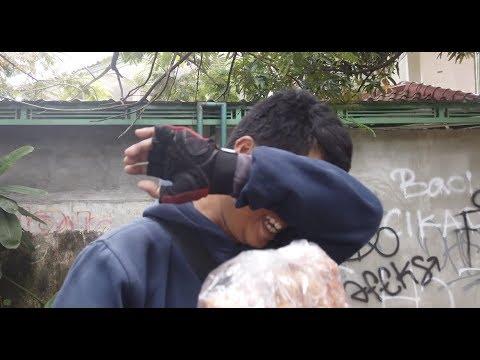 Vlog Artis Indonesia Baim Paula (Bapau) – Sedekah ke Tukang Krupuk