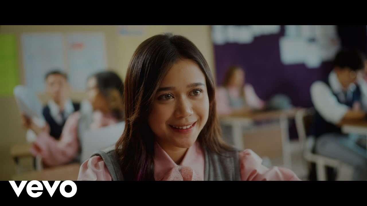 Brisia Jodie – Cinta Kau Dimana (Official Music Video Youtube)