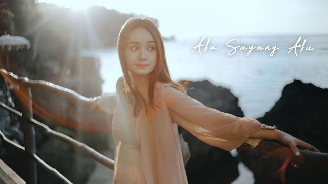 Chintya Gabriella – Aku Sayang Aku (Official Music Video Youtube)