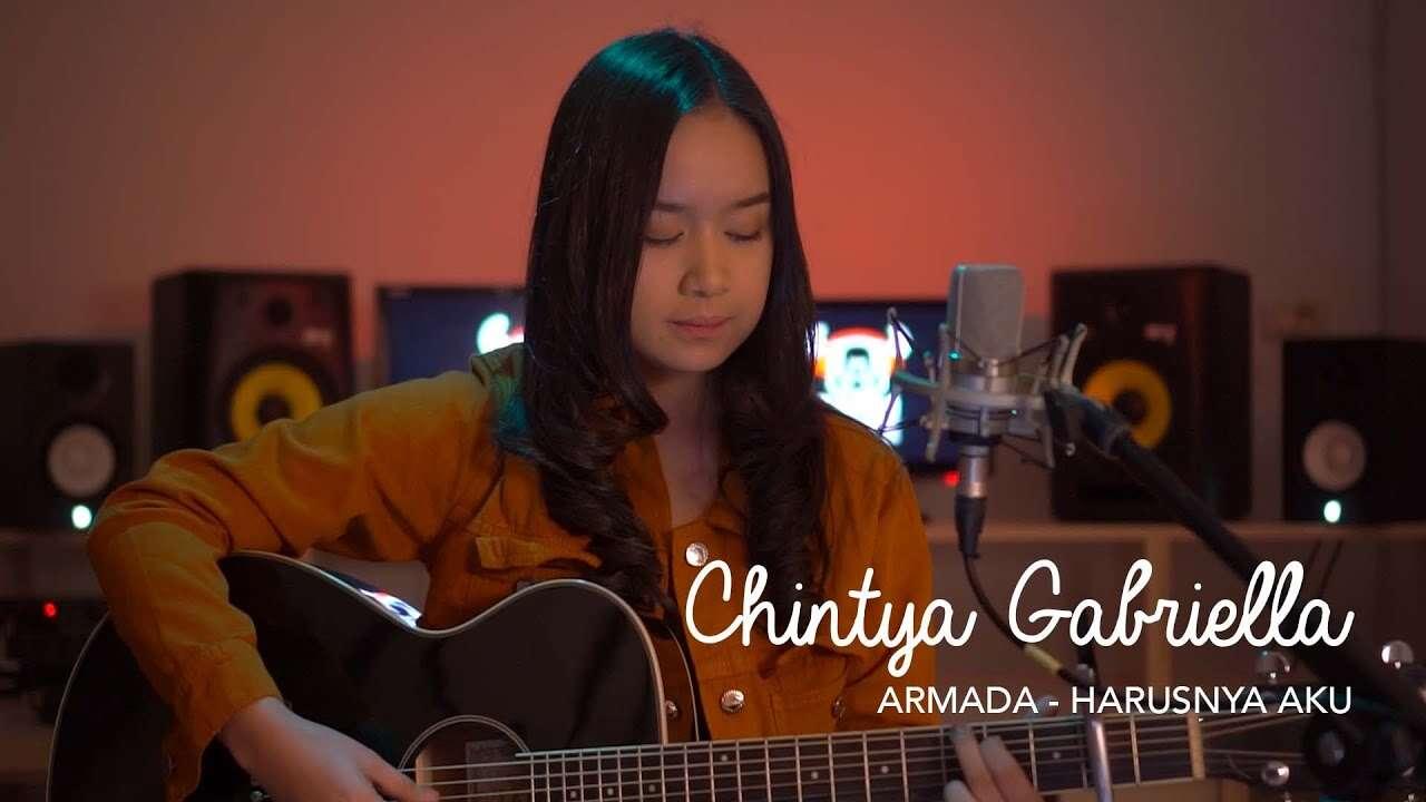 Chintya Gabriella – Harusnya Aku (Official Music Video Youtube)