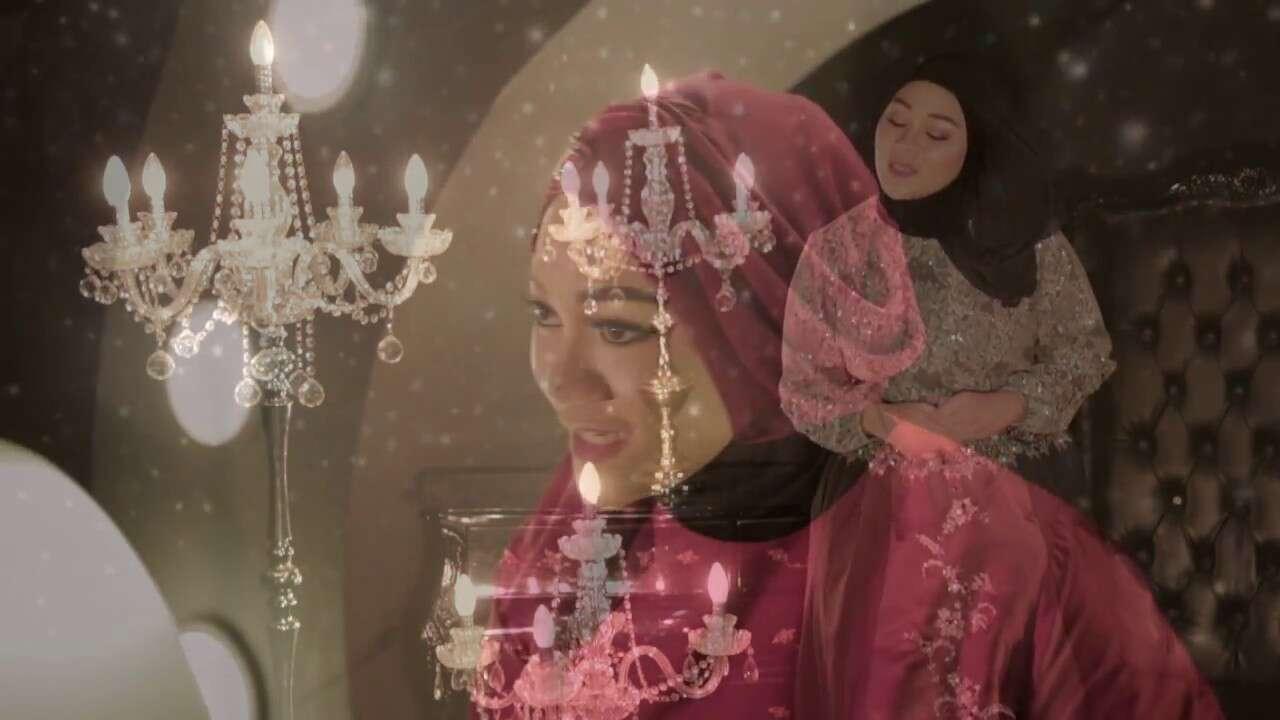 Fadhilah Intan – Cinta Dalam Hidupku (Official Music Video Youtube)