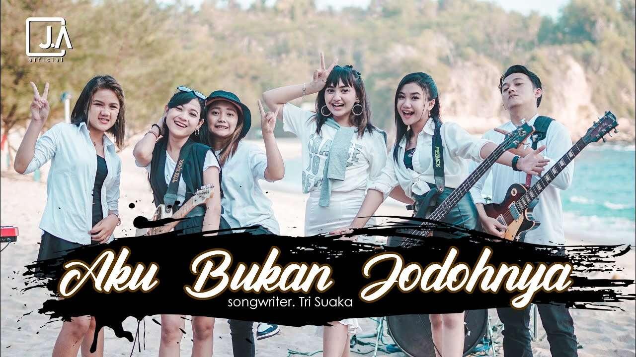 Jihan Audy – Aku Bukan Jodohnya (Official Music Video Youtube)