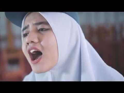 Putih Abu Abu – Chandelier (Official Music Video Youtube)