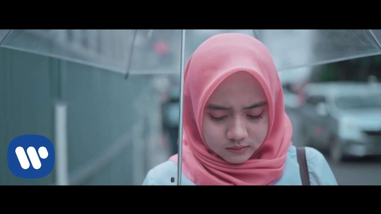 Putih Abu Abu – Merindumu (Cheryll Official Music Video Youtube)